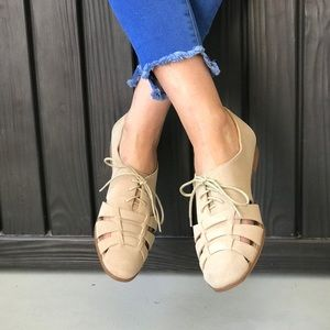 Cut Out Lace Up Oxford Loafer